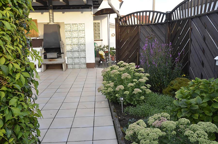 Pergola-Terrasse mit Grillecke am Garten: Ferienwohnung Haus am Weinberg, Neustadt-Mußbach