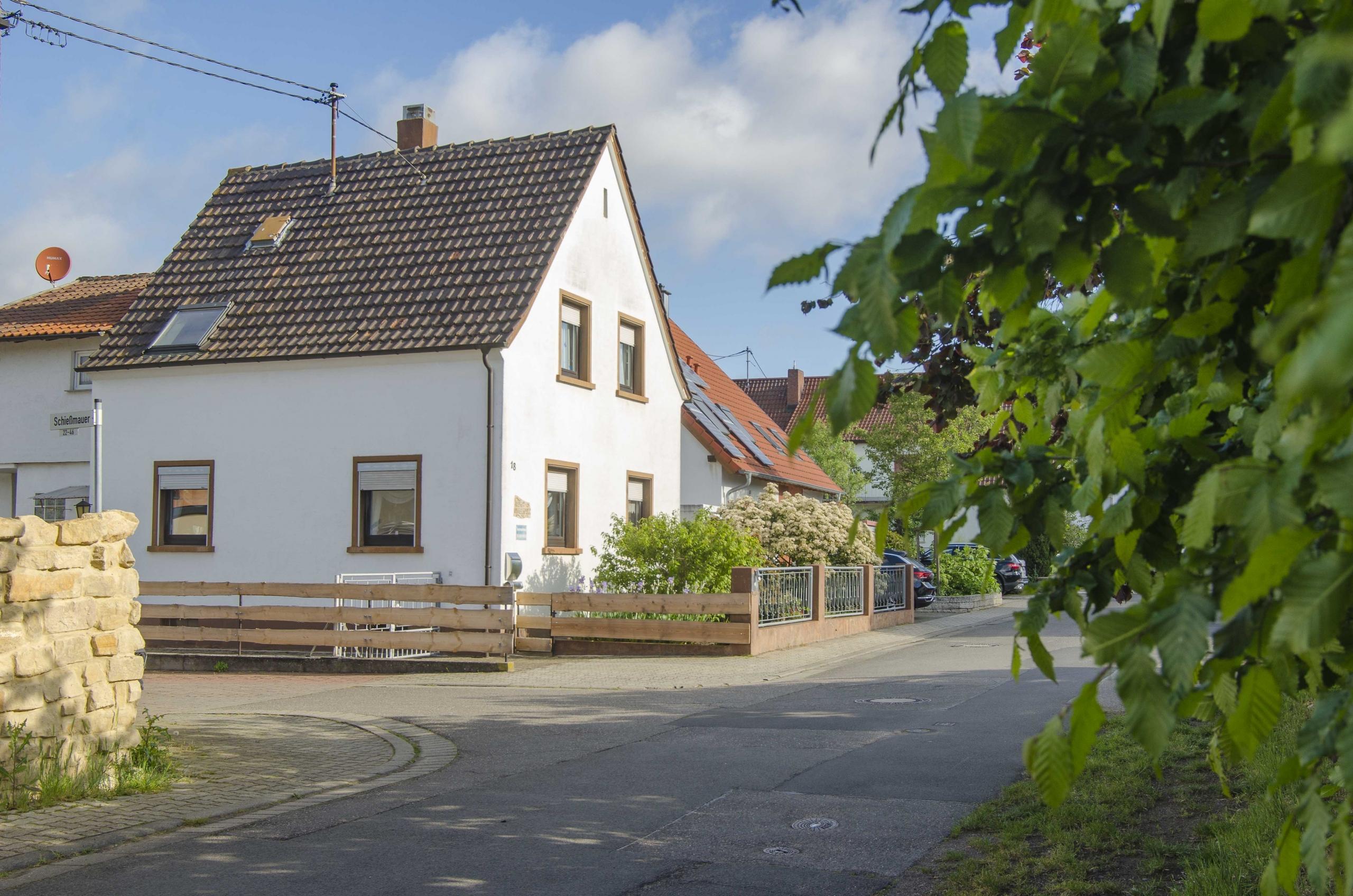 Haus am Weinberg (mit Ferienwohnung) der Familie Oppermann, Mußbach -Neustadt an der Weinstraße